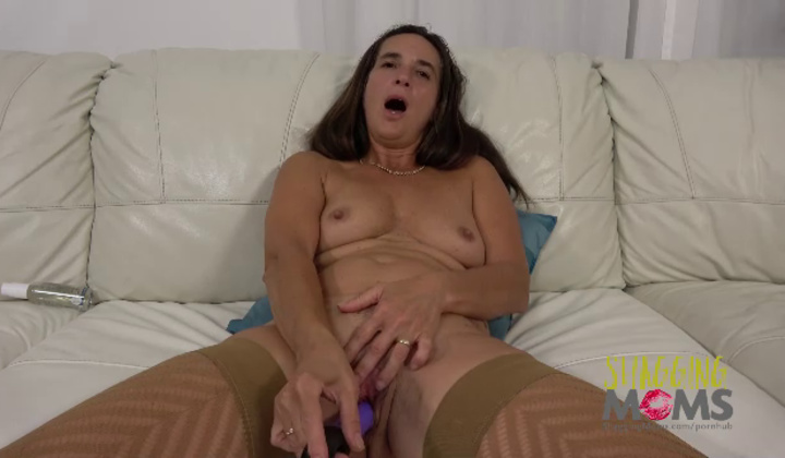 Mature Mariana Masturbation