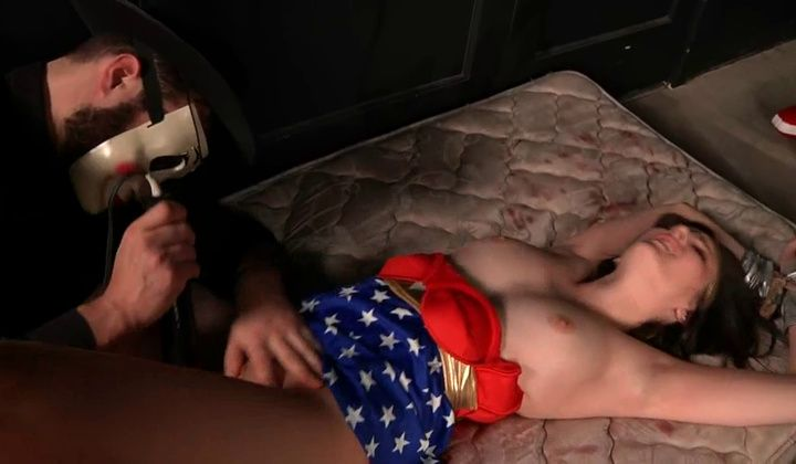 720p - Superheroine Wonder Woman Is Fucked And Strangled In Dungeo…
